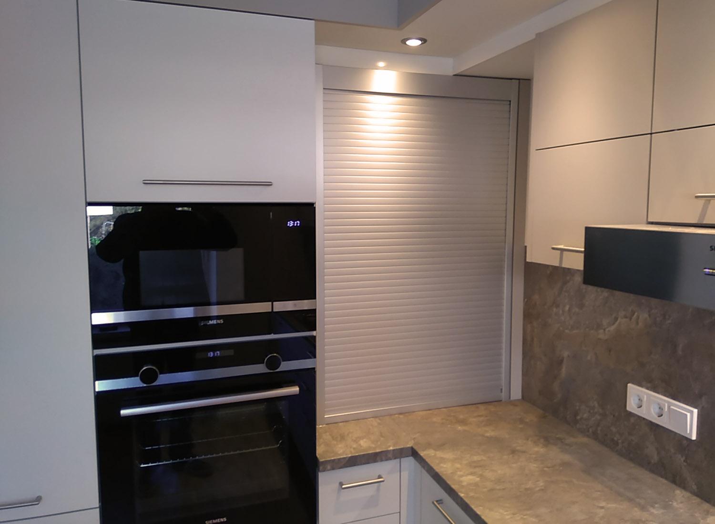 L Küche Schrankelement geschlossen